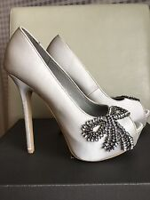 Vera Wang White Women Pump Size 7.5