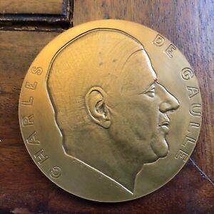 médaille général Charles de Gaulle signée A.RIVAUD 1945