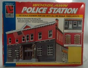 HO Scale Walthers Life-Like 433-1382 Woodlawn Police Station Building Kit