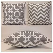 45x45cm Indoor/Outdoor Grey/White Chain/Chevron Cushion Cover