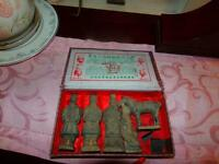 VINTAGE 5 PC CHINESE TERRACOTTA SET OF SOLDIERS & HORSE FIGURINES OF QIN DYNASTY