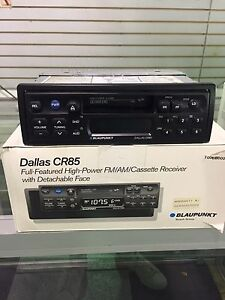BLAUPUNKT DALLAS CR85 FM/AM/CASSETTE RECEIVE W/ DETACHABLE FACE BRAND NEW!