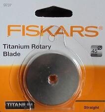 Fiskars Cortador Rotatorio Hoja-carburo de titanio recubierto de 45 mm de corte recto