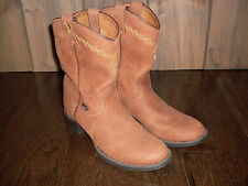 Woman's Cowboy Boots Size 8 (worn once)
