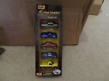 Maisto 5 Star Series Truckin' #1 Chevy 1500 Avalanche SSR Ford F-350 2001 MIB