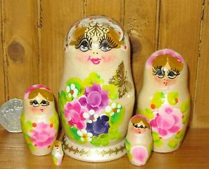 Russian nesting dolls Matryoshka hand painted 5 small Pearl White & Pink flowers