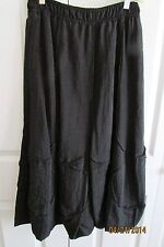 Redwood Court Black Full Skirt, Size 6, Unique seaming, Upscale, below knee