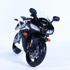 TM186 2006 Honda Black and White 600RR Diecast Model Motorcycle Bike Maisto 1:12
