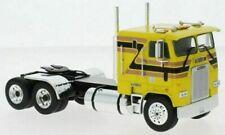 Camions miniatures jaunes