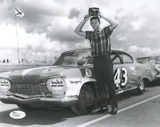 RICHARD PETTY HAND SIGNED 8x10 PHOTO       RARE YOUNG POSE FROM 60's       JSA