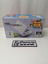 New Nintendo 2DS XL Handheld-Spielkonsole mit Tomodachi Life - Weiß + Lavendel (2219166)