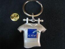 Pin's Folies Arthus Bertrand Roland Garros CNP Club med en 3 D relief Porte cles
