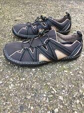 TERRASOLES Woman's Black Tan Casual Comfort Flats Bungee Fastening SZ 9