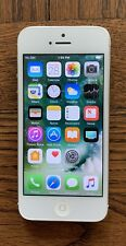 Apple iPhone 5 - 64GB - White & Silver (Unlocked)