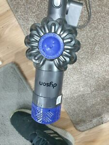E990 Dyson DC62 Cordless Hoover USED working wil need new battery