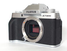 A - Fujifilm X-T200 Digital Mirrorless Camera Body - Silver