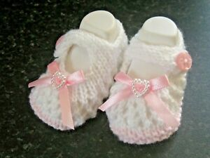 LOVELY CUTE BABY SHOES in PINK/WHITE WITH PINK BOW size NEW BORN (4)