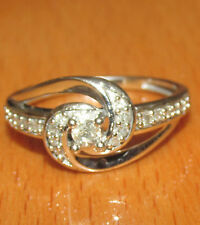 STUNNING  SECONDHAND 10ct WHITE  GOLD  DIAMOND CLUSTER  RING SIZE N1/2