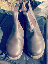 GROSBY CHELSEA BOOTS SIZE 9