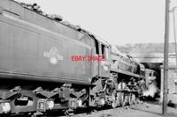 PHOTO  BR BRITANNIA CLASS LOCO  70013 OLIVER CROMWELL ATCARLISLE 1966