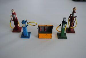 DINKY No 49 PETROL PUMPS & OIL BIN SET