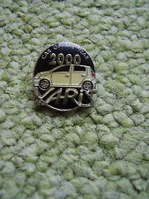 Pin Toyota Yaris Car of the Year 2000 Automobile Toyota Motorcorporation Japan