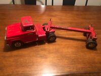 Tonka Log Truck / rare '59 version Truck and trailer