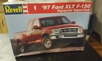 1:25 Revell #85-7621 - '97 Ford XLT F-150 Car Model Kit