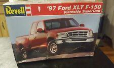 1:25 Revell #85-7621 - '97 Ford XLT F-150 Car Model Kit