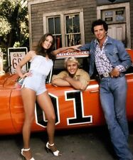 DUKES OF HAZZARD 8X10 PHOTO TV PICTURE CAST BO LUKE DAISY DUKE GENERAL LEE