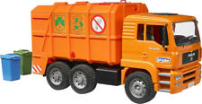 BRU2760 - Camion 6x4 poubelle MAN TGA orange avec conteneurs jouet BRUDER - 1/16
