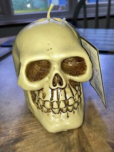 Blood drip skull candle - Red wax appears from the eyes when candle is lit - NEW