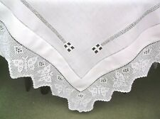 VINTAGE LINEN CROCHET TRIM 'BUTTERFLIES' TABLE CLITH