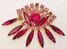 broche ancienne couleur or avec cristaux rose et rouge rubis brillance 3702