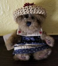 Boyd's Bear Caroline Mayflower From the Archive Series nice Vintage collectible