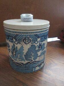 Vintage Luce Corp KRISPY KAN Tin Can w/ Blue Magic Dri-Nob Glass Knob Lid
