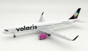 1:200 INF200 Volaris Airbus A321-271N N542VL plus stand