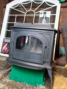 Vermont Castings VIGILANT Wood Stove w/ BIG Glass Door Inserts: Great condition