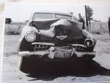 1947 STUDEBAKER  WRECKED CAR FRONT END HIT  11 X 17  PHOTO /  PICTURE