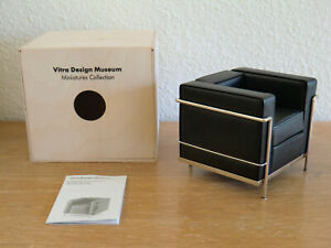 VITRA DESIGN MUSEUM  Le Corbusier GRAND CONFORT / 1929 chair Miniatur miniature