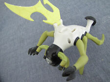 Ben 10 Stinkfly 2006 Action Figure Bandai water blaster incomplete missing wing