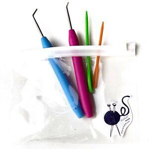 KnitUK Knitting Loom Hook Set of 2 Soft-Grip Hooks & Needles. Blue & Pink.