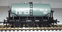 HORNBY R6567 6 WHEEL MILK TANKER 'MILK MARKETING BOARD'