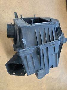 2005-2011 Volvo XC90 4.4L V8 Air Cleaner Box Assembly OEM