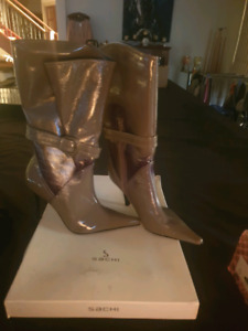 SACHI BOOTS SIZE 8 BRAND NEW