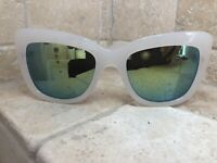 Quay Australia Sunglasses Women's Breath of Life White/Mint NWT Incl. Soft Case