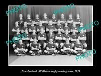 OLD POSTCARD SIZE PHOTO OF THE NEW ZEALAND ALL BLACKS RUGBY UNION TEAM 1928