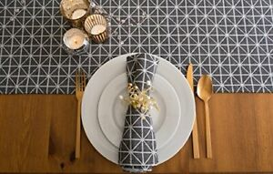 Design Imports DII Black & White Triangle Table Runner