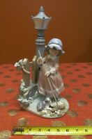"""LLADRO #5286 """" FALL CLEAN UP """" LADY SWEEPING UNDER A LAMPPOST -RETIRED- AS IS"""