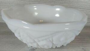 "White Milk Glass Wave Shape Shell Ceramic Art Deco Dish Bowl Size 3"" H x 7"" W"